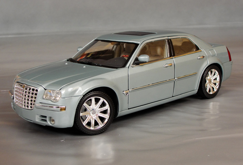 2005 chrysler 300c 5 7 hemi details diecast cars. Black Bedroom Furniture Sets. Home Design Ideas