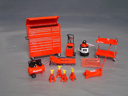 Snap On Garage Series Set 1 18th Scale Details Diecast