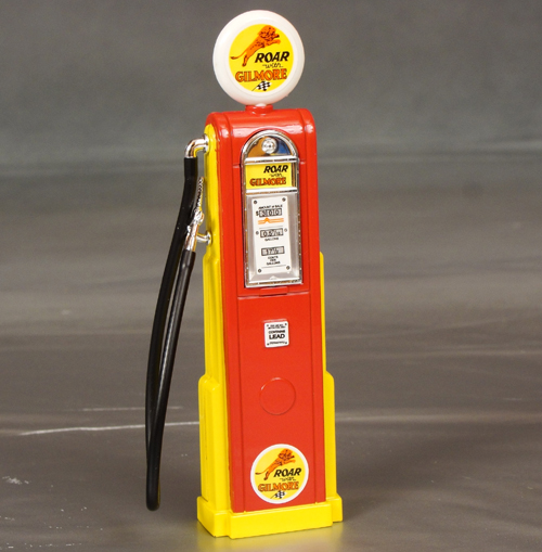 Quot Roar With Gilmore Quot Gas Pump 1 18th Scale Details